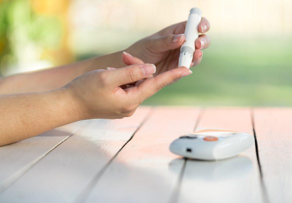 non finger pricking solution, type 2 diabetes, blood sugar testing